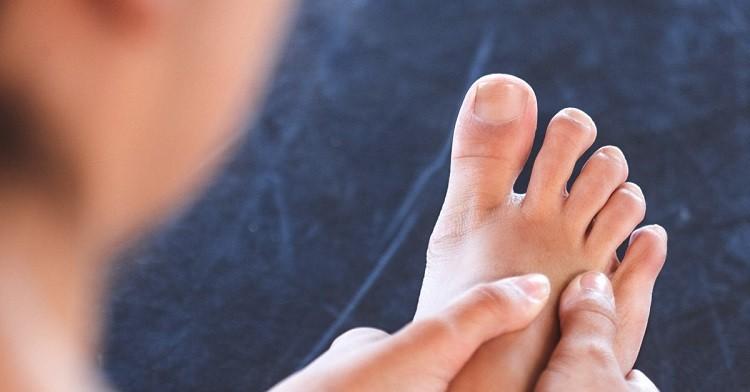 Chế độ ăn uống và top 7 thực phẩm chức năng cho người bệnh gout
