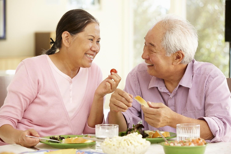 Chế độ ăn cho người bị viêm khớp ai cũng nên biết