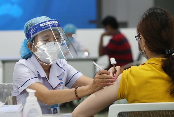 [GIẢI ĐÁP] Tiêm Vaccine Covid 19 mấy mũi? Có an toàn không?