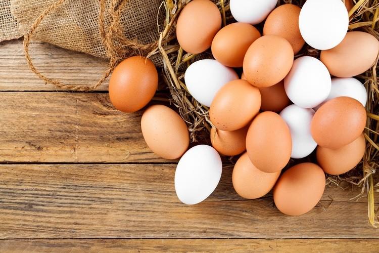 Trứng gà nguyên quả