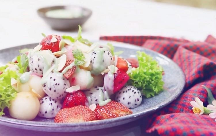 Salad trái cây sốt tảo