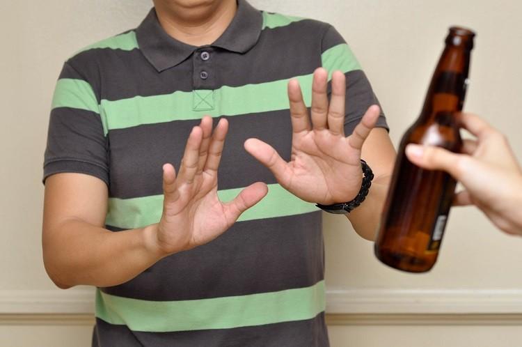 không uống rượu bia, các chất kích thích