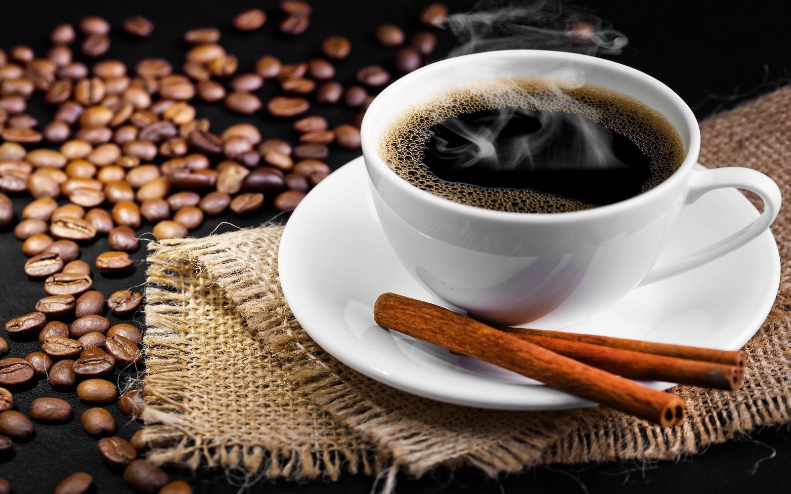 Cà phê, các chất có cồn, thuốc lá