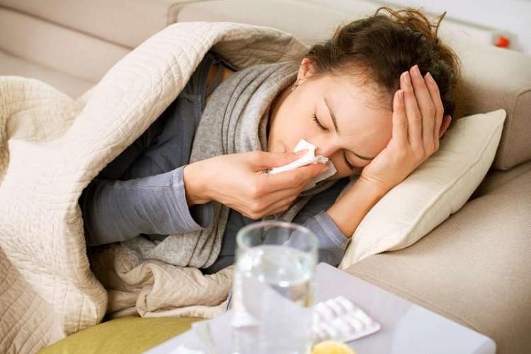 phân biệt corona và cúm thông thường, phân biệt corona và cảm cúm thông thường